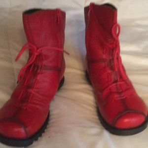 Ladies size 8 boots never worn